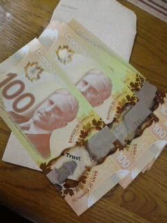 新しいカナダドル…