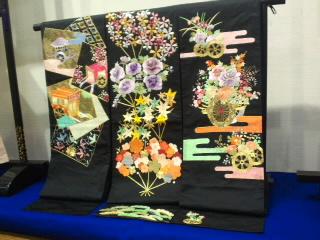 日本刺繍展へ